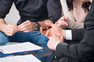 Wat doet een notaris na overlijden